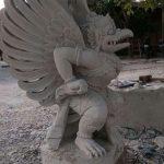 pengrajin patung batu alam