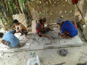 pengrajin batu alam
